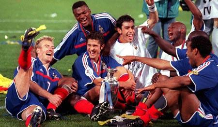 2 năm sau, Vieira đóng vai trò quan trọng đưa Pháp đăng quang tại Euro 2000